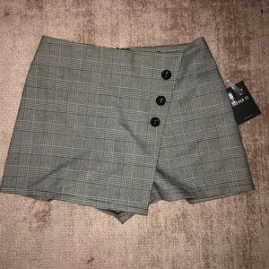 Dresses & Skirts - Forever 21 checkered skort
